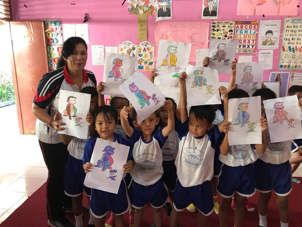 Gertraud Klingsbigls Kindergartengruppe auf Bali